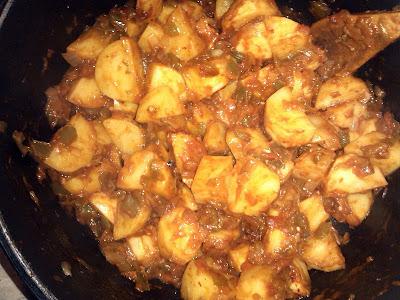 Marmitako de salmon cocina receta plato vasco vasca gastronomia guiso pescado azul patatas pimiento choricero