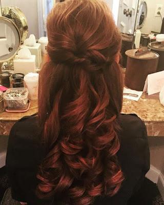 peinado elegante cabello rojo para fiesta de gala