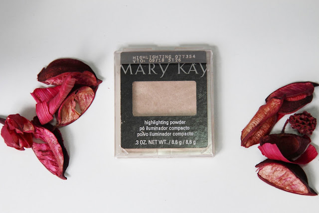 Pó iluminador compacto Highlighting Mary Kay