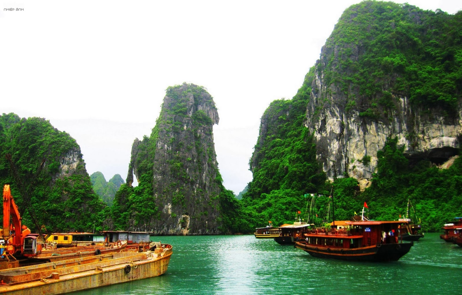 Halong bay, Vietnam most beautiful bay of the World ...