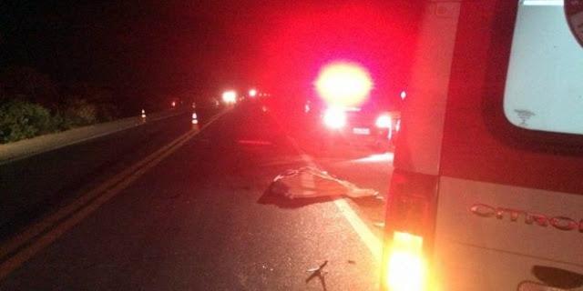 Acidente entre carro e moto deixa mortos na BR-230 entre Soledade e Juazeirinho