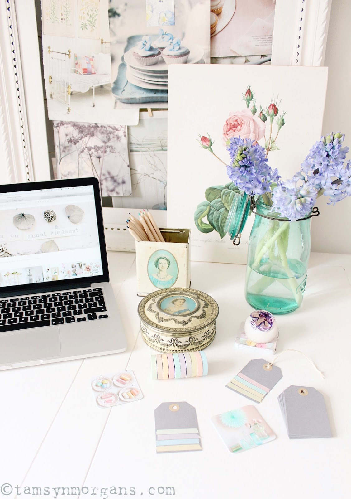 Prettifying My Desk With Etsy!