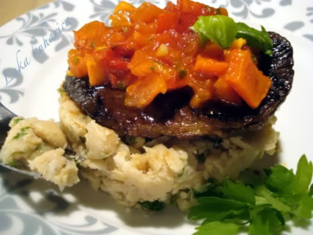 Balsamic steak with white bean mash and salsa by Laka kuharica:  succulent tender steak with mashed cannelini beans and fresh tomato salsa.