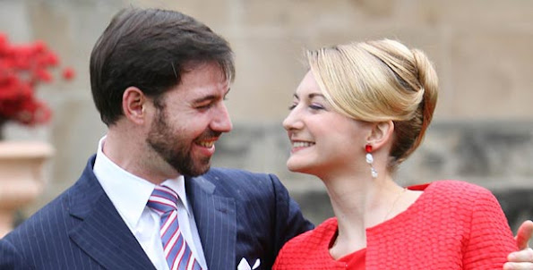 Princess Stephanie and Prince Guillaume wedding ceremony, wedding dress and wedding diamond rings