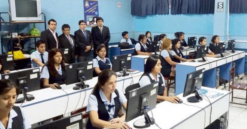 Docentes de institutos también rendirán prueba obligatoria cada tres años