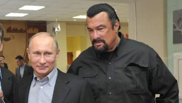 El presidente ruso Vladimir Putin junto al actor Steven Seagal