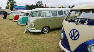Split screen van line up at Bristol Volksfest