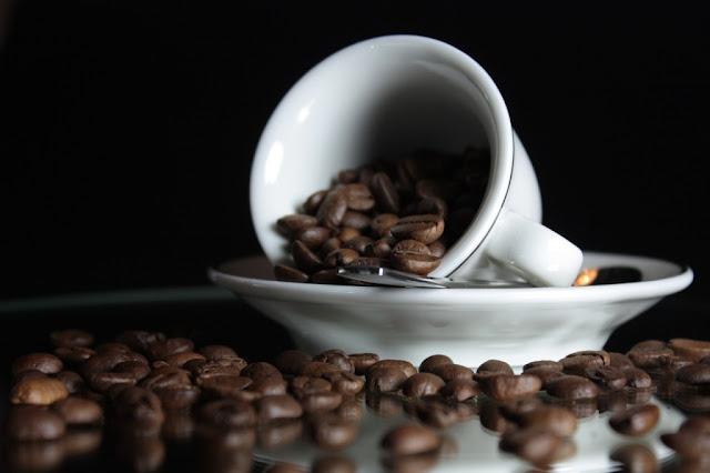 القهوة والآثار الجانبية عند الأكثار منها