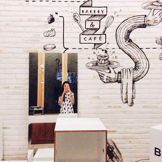 Review : 18 Cafe di Seminyak Bali