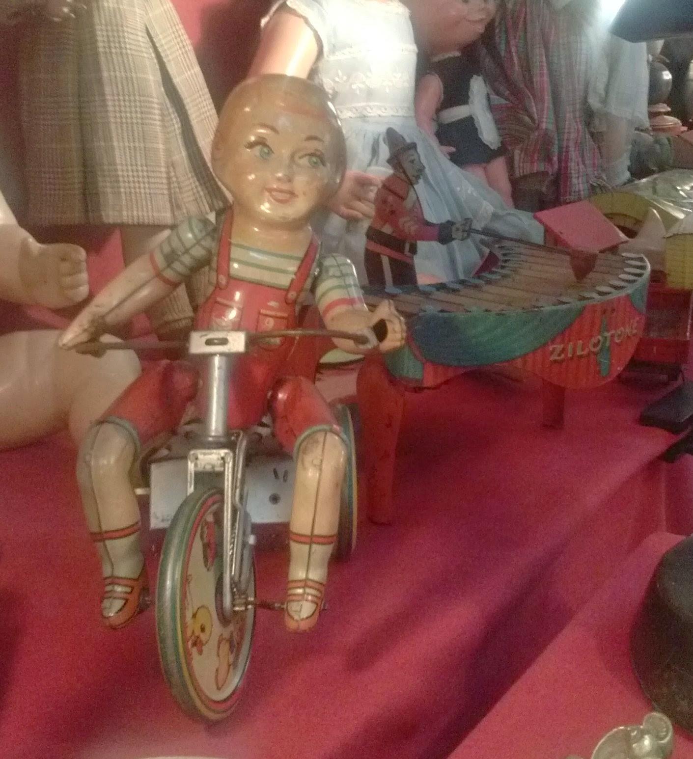 Kiddy cyclist de Unique art, de segunda generacion pieza del desembalaje de Cantabria en Torrelavega