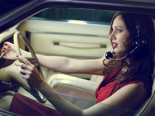 Nos chauffeurs de taxi femme à Paris sont souriantes