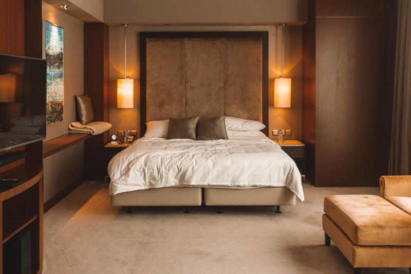 Shangri- La Doha Horizon Club Deluxe Bedroom