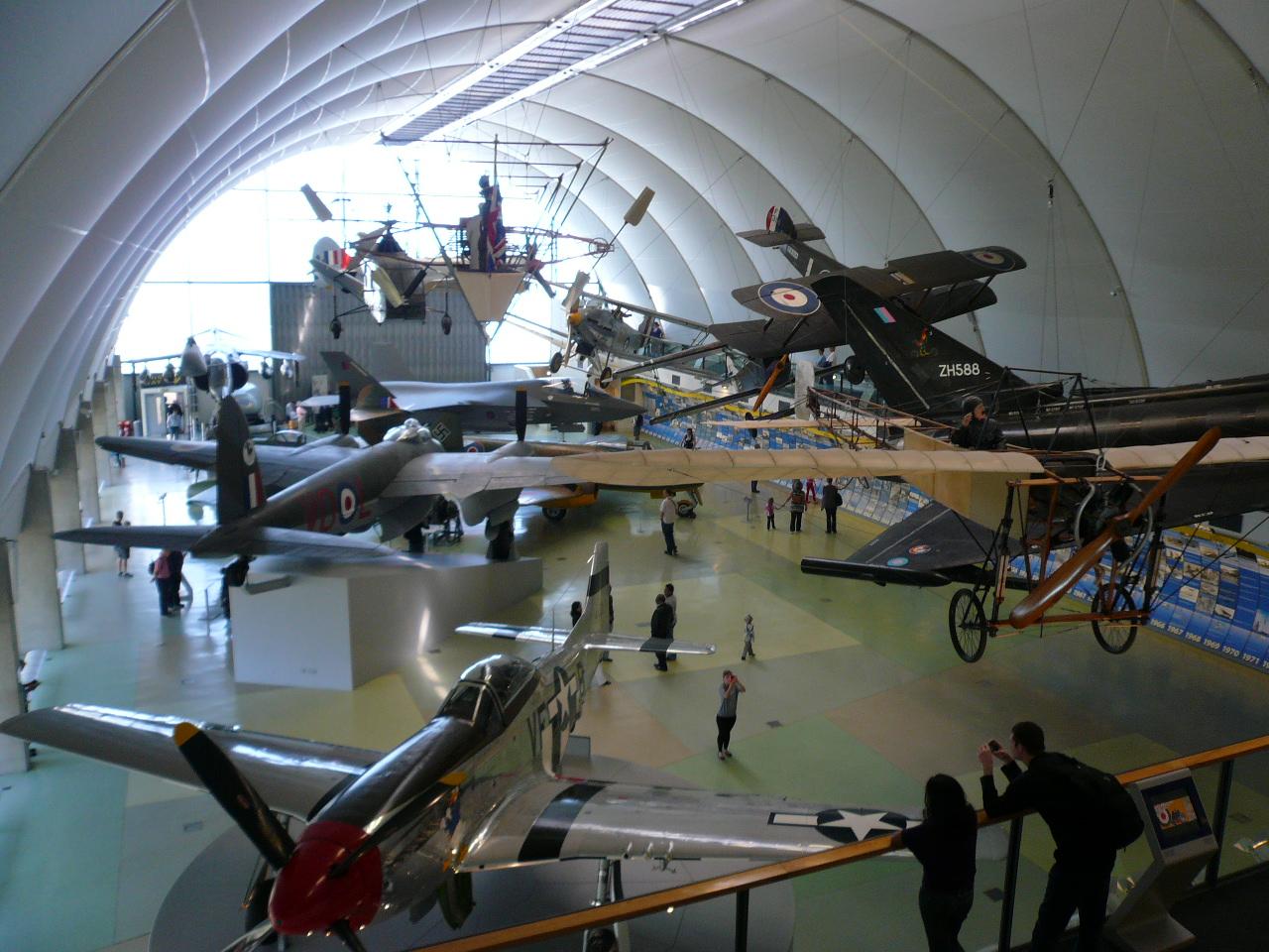 赤い自転車: RAF Museum London イギリス空軍博物館に行ってきた Part1