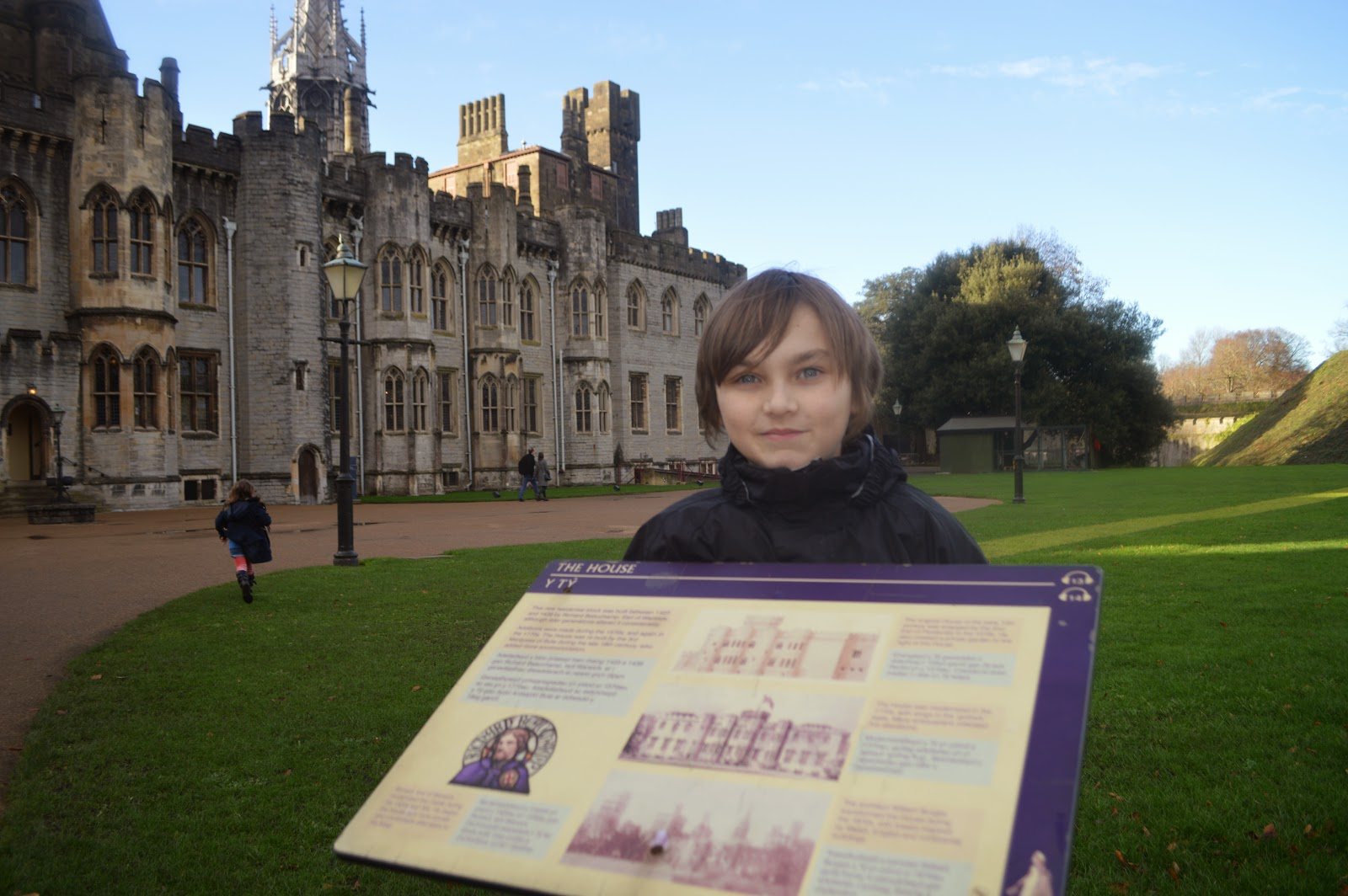 , Cardiff Castle – Explore 2000 Years of History in Just One Day