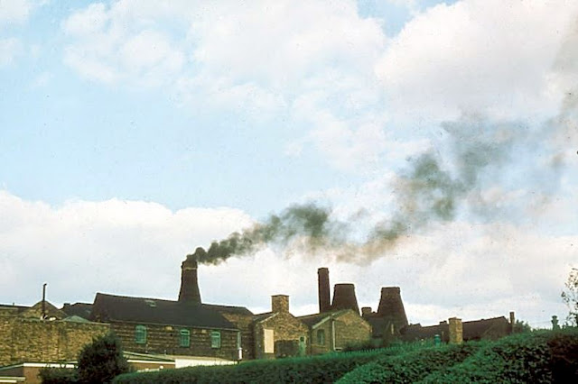 Last Bottle Oven Firing – August 1978  Organised by Gladstone Pottery Museum, Longton  Hudson and Middleton - Updraught stack oven Normacot Road, Longton  Photo: Unknown source