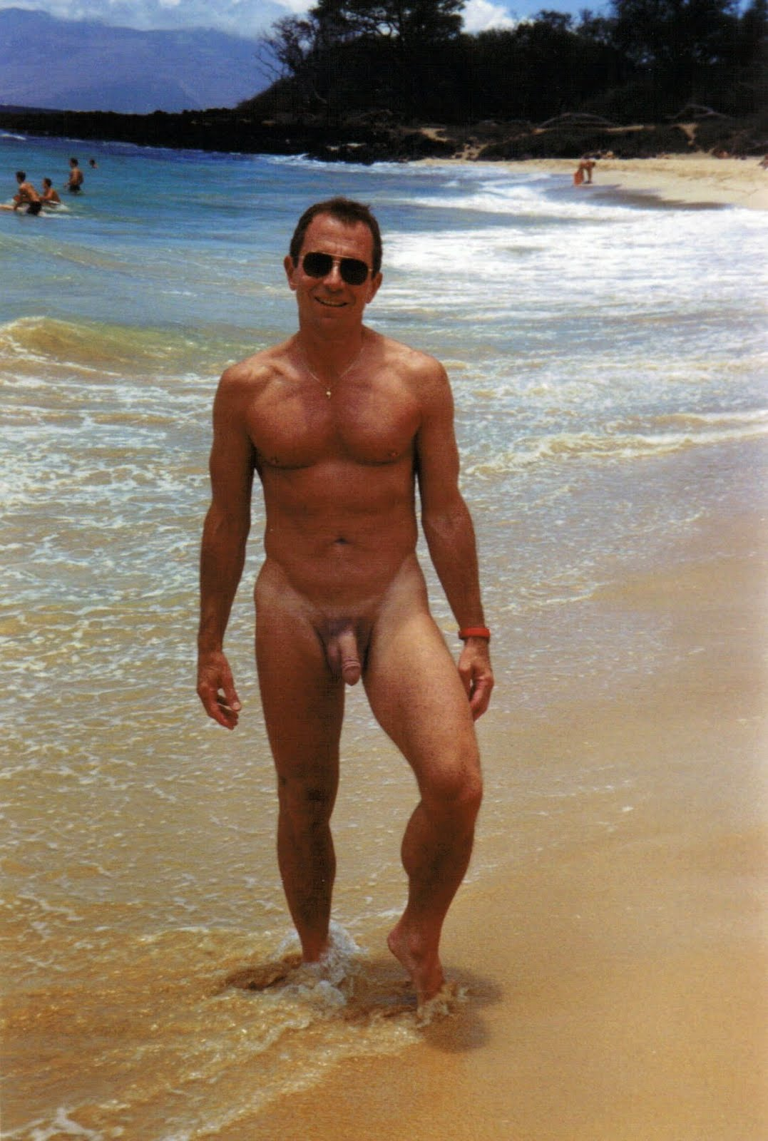 beaches honolulu gay