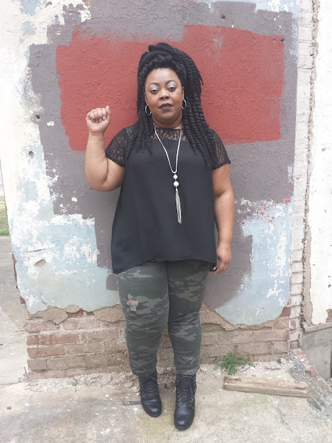 Plus size blogger with Beyonce inspired Formation attire and M.A.C. Cyber lipstick.