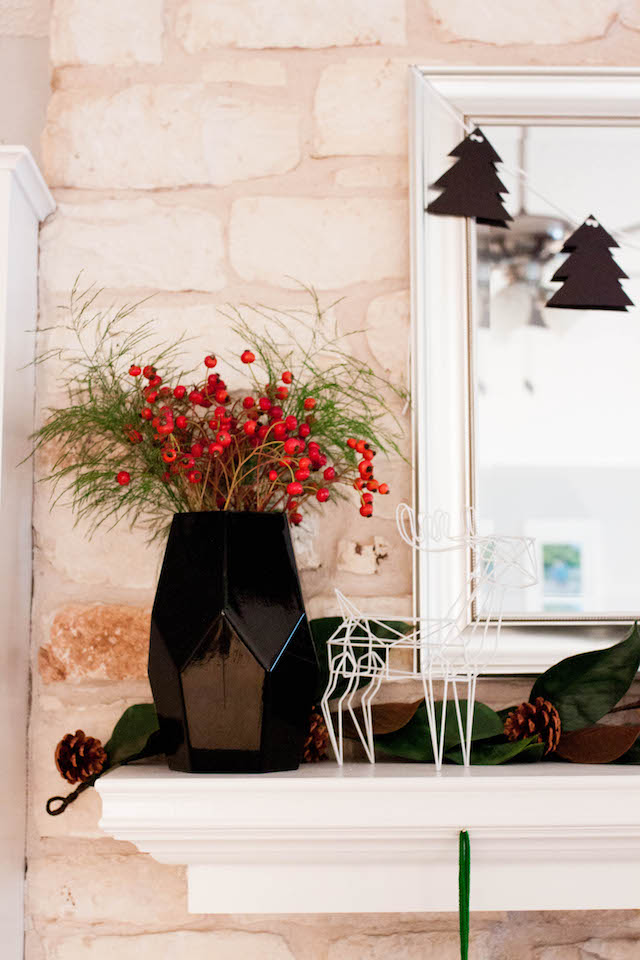 christmas decor, texas blogger, christmas mantel, modern christmas, modern mantel, modern christmas decor, at home stores, jesse coulter, austin blogger, diy blogger, home decor blog, home decor blogger, diy christmas garland, diy garland