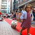 Miss y Mister Txakur desfilan por la alfombra roja de las fiestas de Rontegi