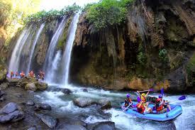 Wisata alam Songa adventure (rating singa pekalen), menjadi daya tarik tersendiri di kawasan gunung Bromo