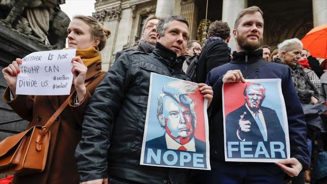 Protestan en Bruselas contra la orden migratoria de Trump