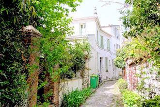 Paris : Rue et Villa Hallé, sérénité champêtre du village d'Orléans - XIVème