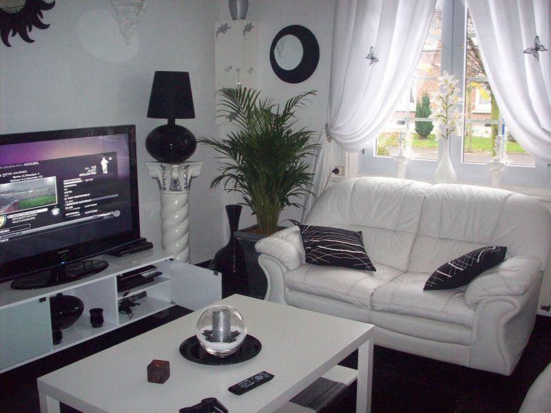 prsatu decor maison idees maret 2013. Black Bedroom Furniture Sets. Home Design Ideas