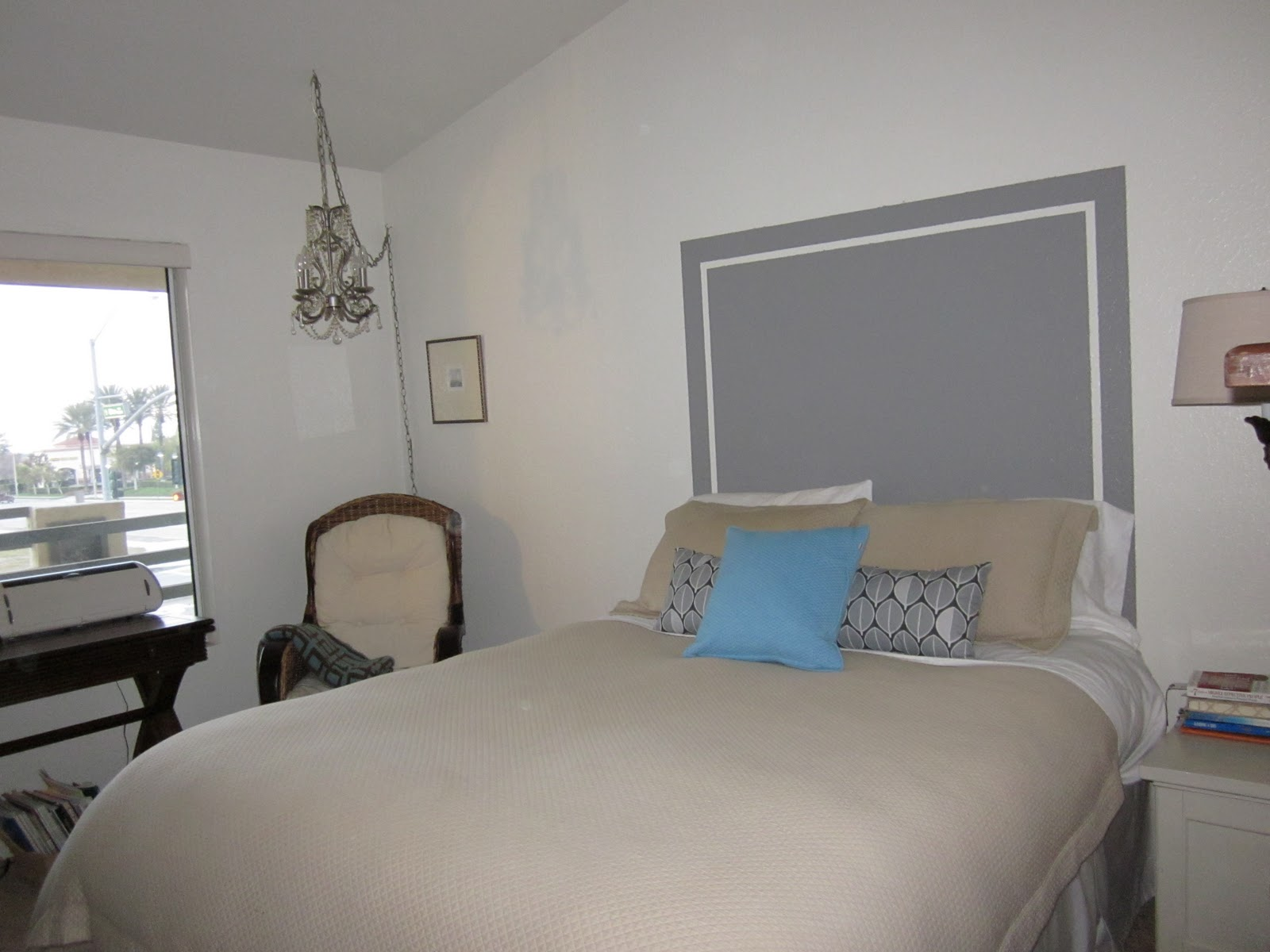 Do Something Creative {DAILY}: The Wall Painted Headboard