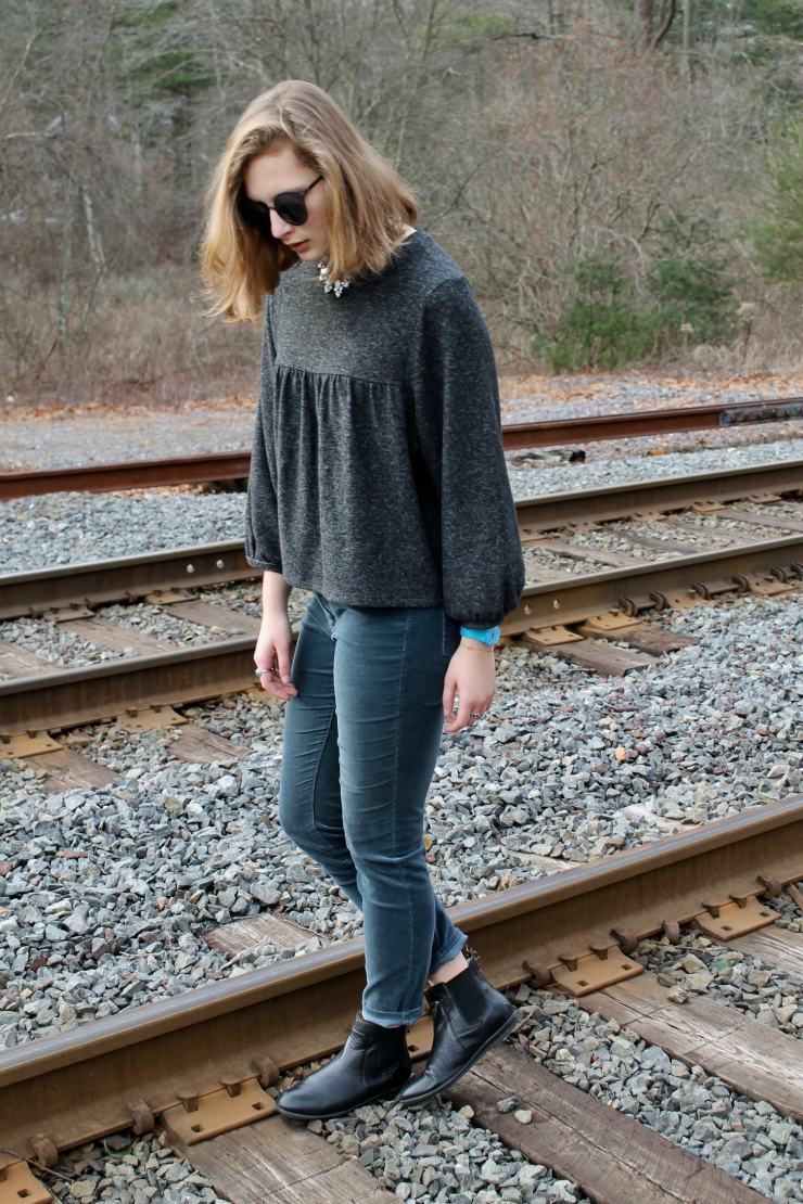 Zara grey 3/4 sleeve artist sweater, corduroy pants, Chelsea booties + statement necklace #fashion