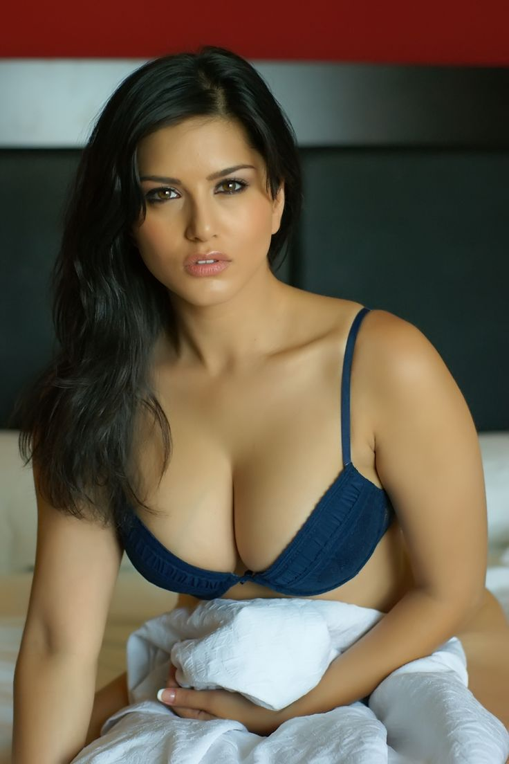Bharatbytes Sunny Leone Bikini Photoshoot-5889