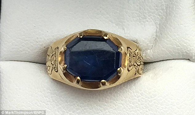 This Man Found A Medieval Ring In The Sherwood Forest In England! The Ring's Worth Realle Made A Big Change In His Life!