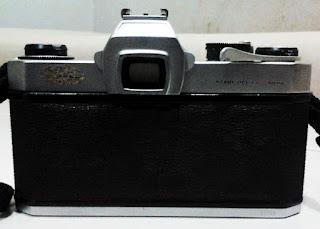 Bagian belakang Asahi Pentax Spotmatic