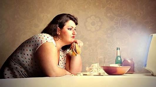 Inilah kebiasaan yang sering dilakukan yang membuat badan menjadi gemuk