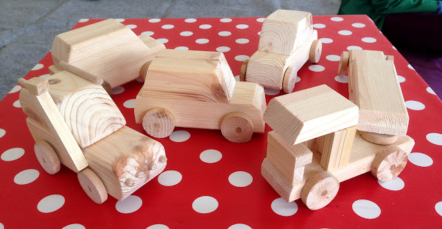 Drewniane zabawki, drewno, stolarka, warsztaty, wrocław, tworzyciele wrocław, Mateusz Skulimowski, improkracja,
