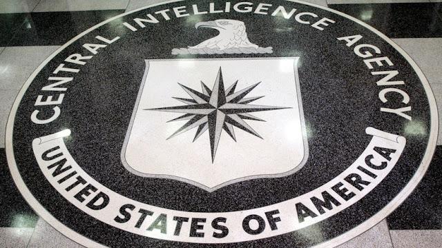 """Conspiré para enviar información secreta"": Exoficial de la CIA se declara culpable de espiar para China"