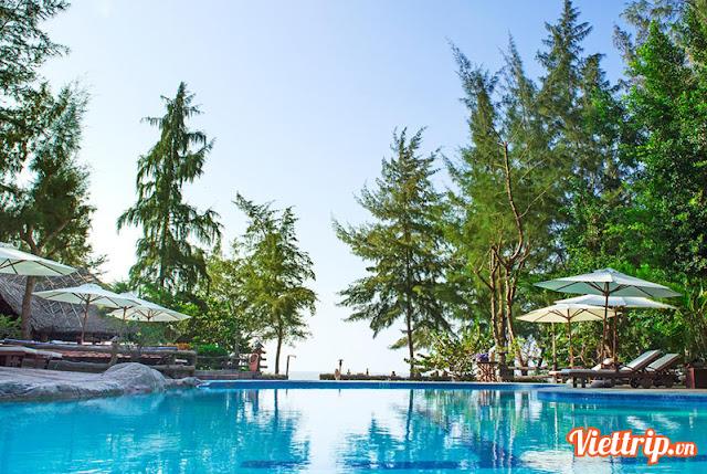 Hồ bơi tuyệt đẹp tại Hồ Tràm beach resort