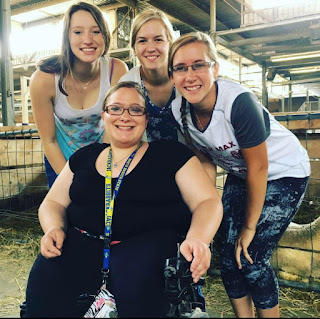 Abby and fellow 4-H'ers at the MN State Fair