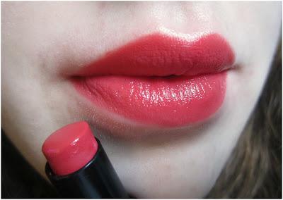 Wet 'n' Wild Mega Last Lipstick in 'Coral-ine'