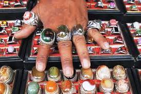 Belanja Perhiasan Batu Mulia di Pasar Rawa Bening – Jakarta