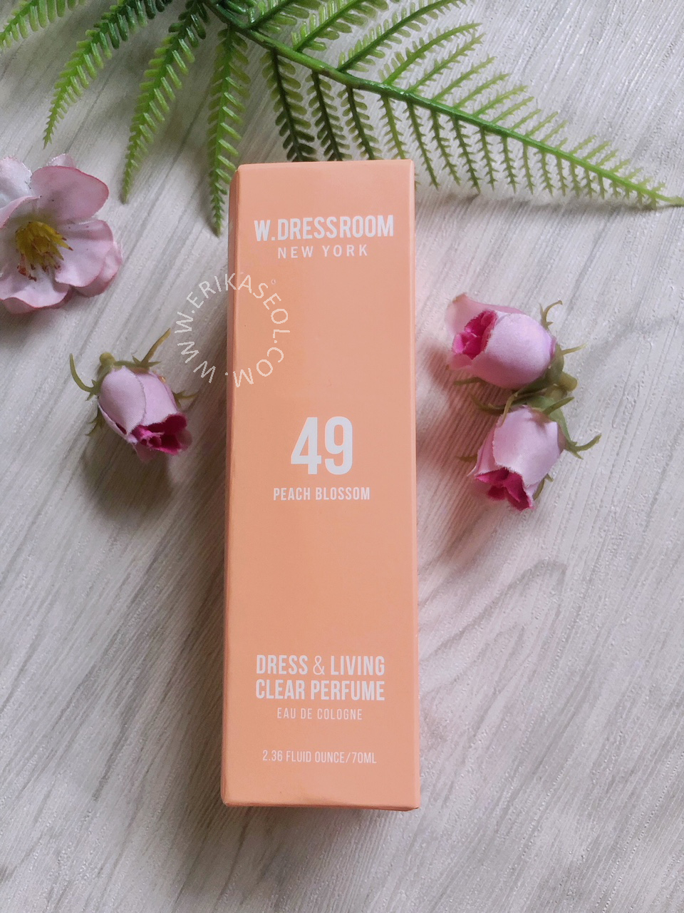 Review W Dressroom No 97 April Cotton And 49 Peach Blossom New York Drees Living Clear Perfume 70ml Ok Next One Is Scent This Name Have Been Used By Hwang Minhyun Wanna Member The Box I Got A Bit Different With