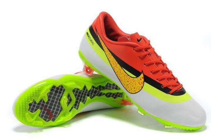 35427afd529 2012 2013 Cristiano Ronaldo Dos Santos Aviero Boots with Real Madrid  Pictures from Nike