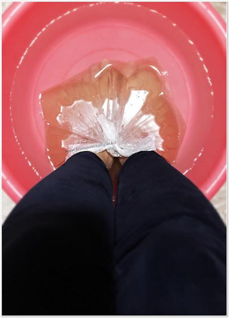 yesil-cayli-rahatlatici-ayak-bakim-banyosu