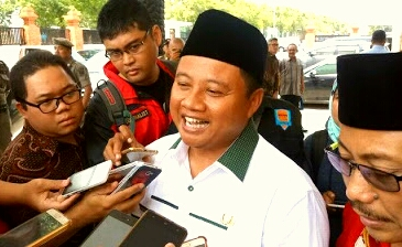 Wagub Jabar Ubah Acara Sosialisasi Syariah Jadi Deklarasi Jokowi, Para Peserta Malah Teriakan Dukung Parabowo-Sandi, Kok Bisa…???