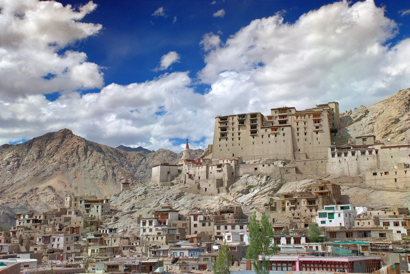 5 most popular places to visit leh ladakh insight india for Historical vacation spots in the south