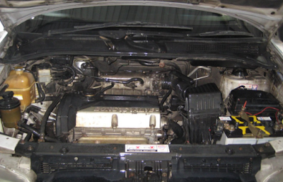 Foto Mesin Hyundai Trajet 2.0 Liter (2000cc)