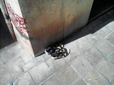 Benjamin Vilella- Calzado femenino abandonado (abandoned women's shoes)