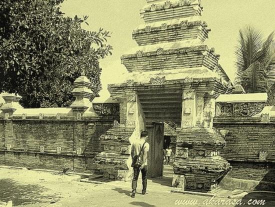 kisah misteri dari makam kota gede