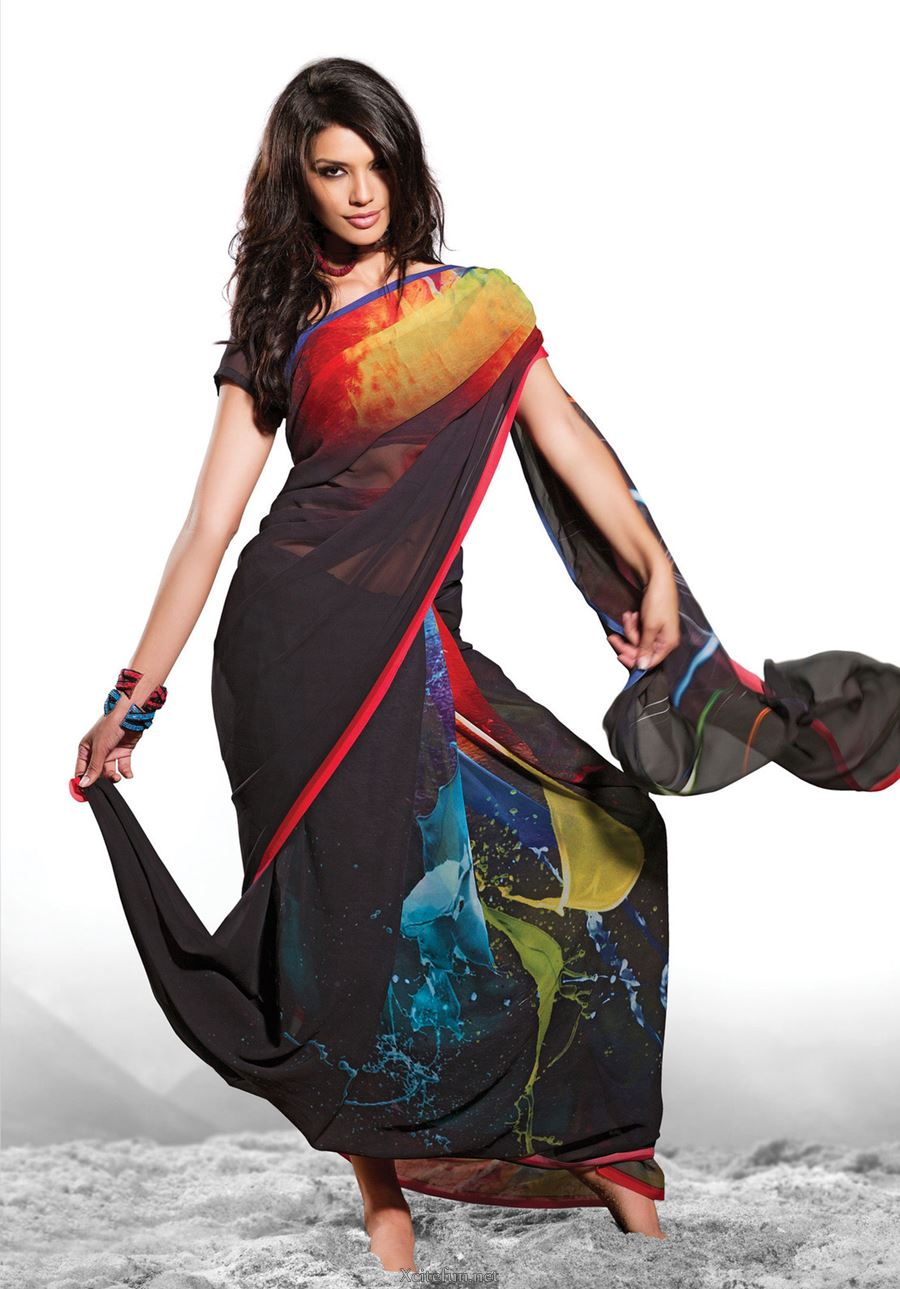 Trendy And Latest Contemporary Bathroom Designs: Digital Print Trendy And Stylish Saree For Young Girls