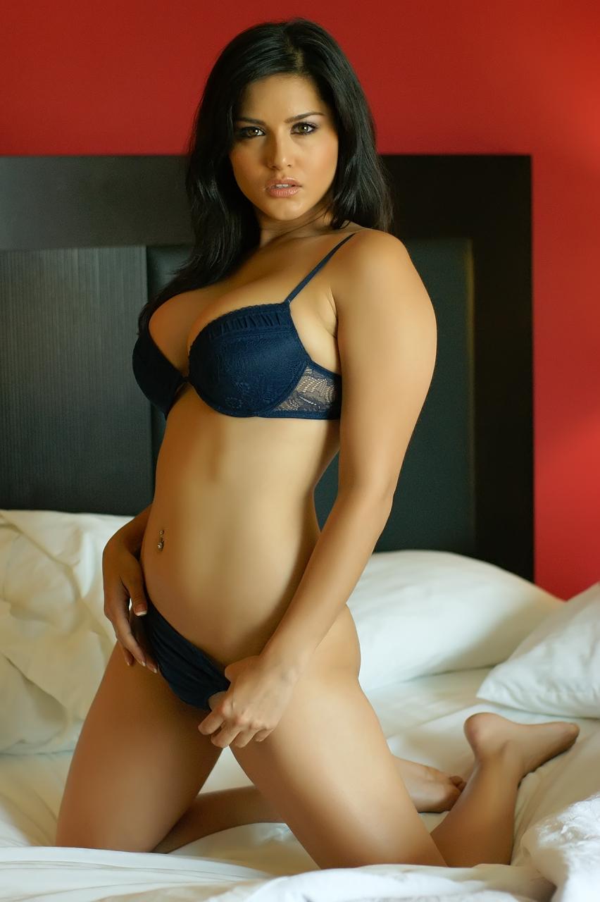 Sunny Leone In Bra Ads - Sexy Brunette Girl Porn-9692