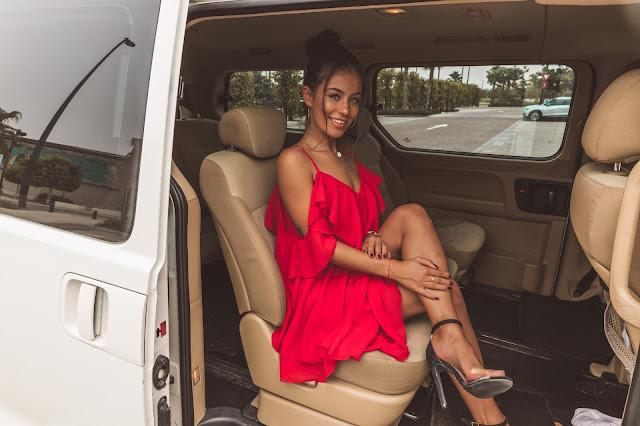 Sukienka w odcieniu pięknej czerwieni  - Czytaj więcej